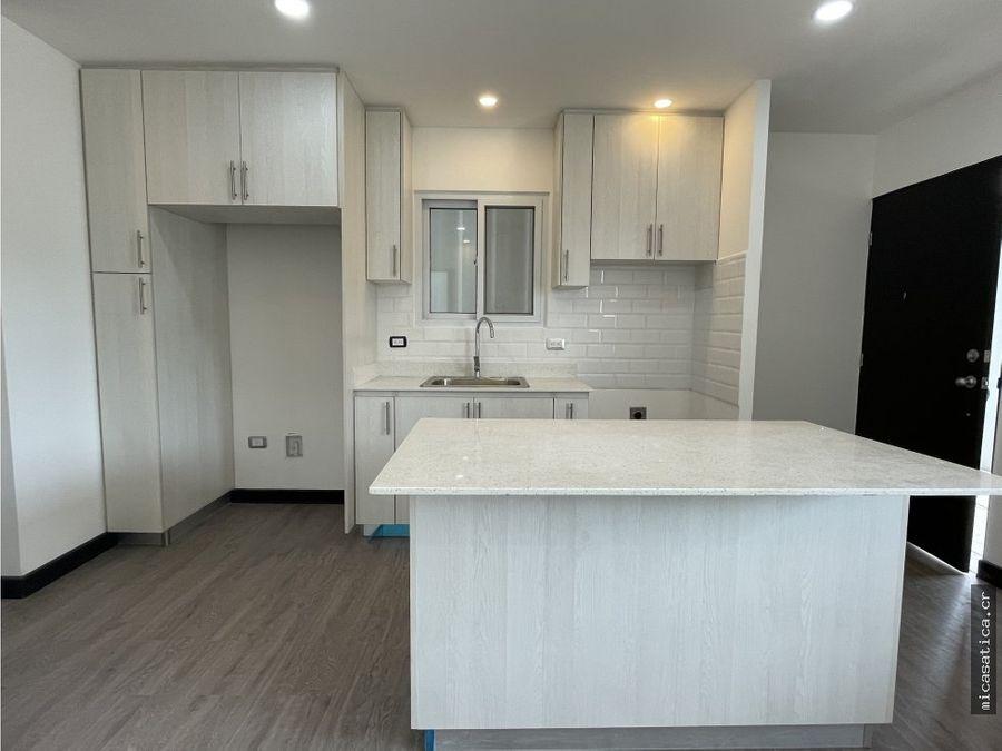 se alquila apartamento nuevo en santa ana centro