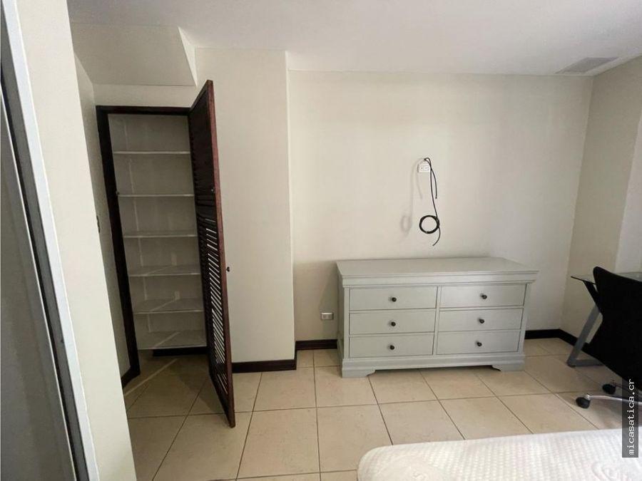 alquiler lindo apartamento amoblado en exclusivo condo en escazu