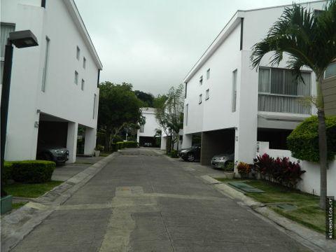 venta de casa en condominio paseo del sol usd 285000