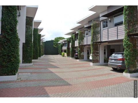 alquiler de linda casa en condominio en santa ana usd 1350
