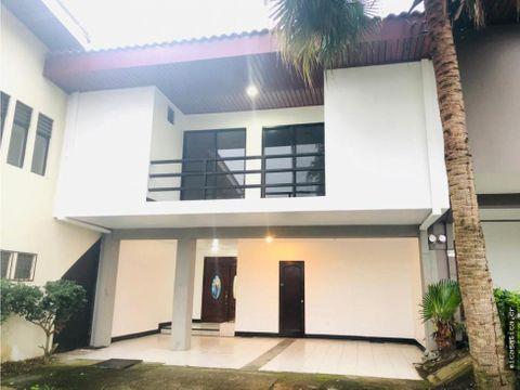 se vende linda casa en residencial en escazu precio negociable