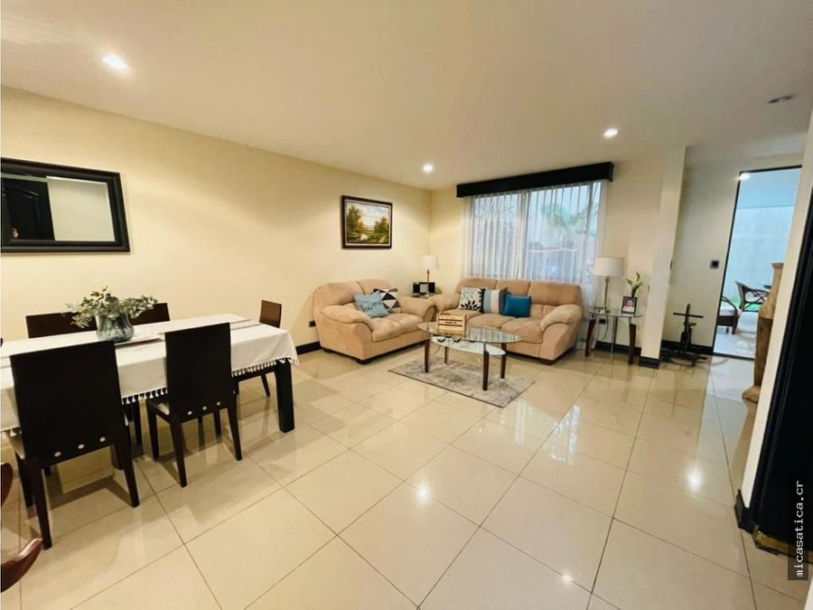 venta de linda casa en guayabos de curridabat en condominio