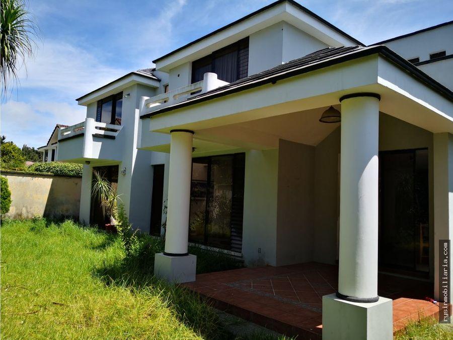 amplia casa en venta en vila verde carr fraijanes