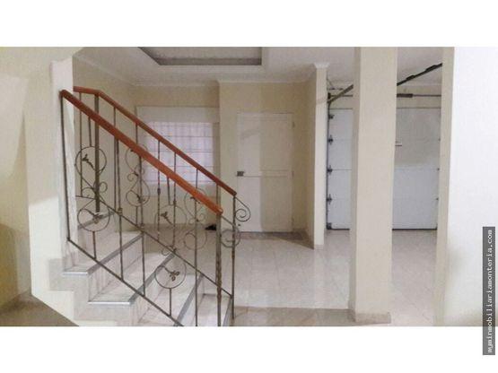 casa de dos pisos cerca a la salle cod 462244
