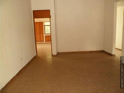 casa mas 2 apartamentos con area 770m2
