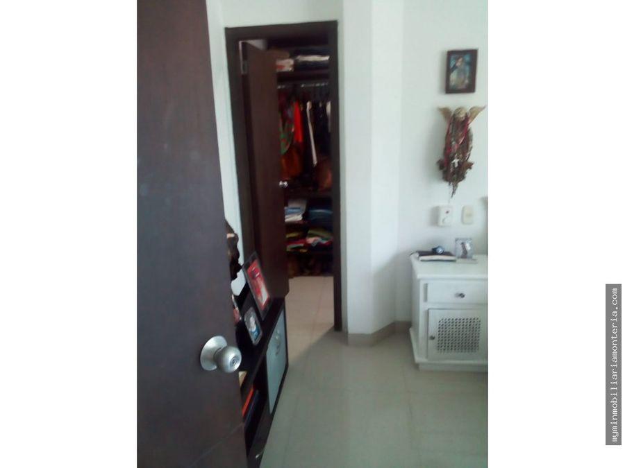 vende apartaestudio en la castellana 66m2