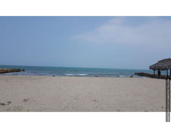 vende cabana frente al mar en punta bolivar