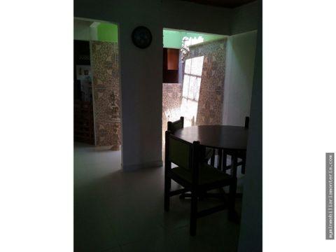 vende casa en la julia