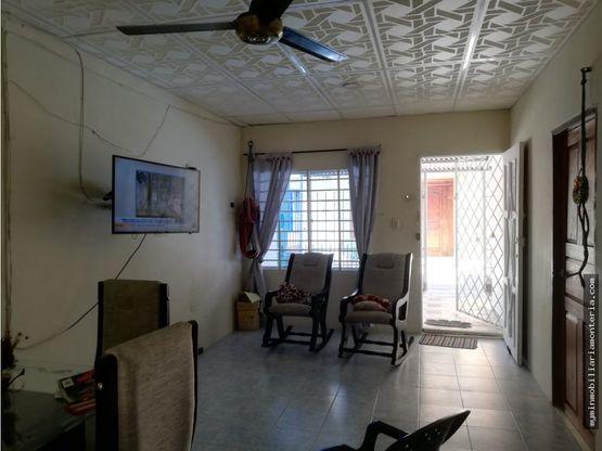 vende casa en el barrio panama