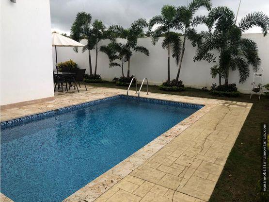 vende casa con piscina en picacho