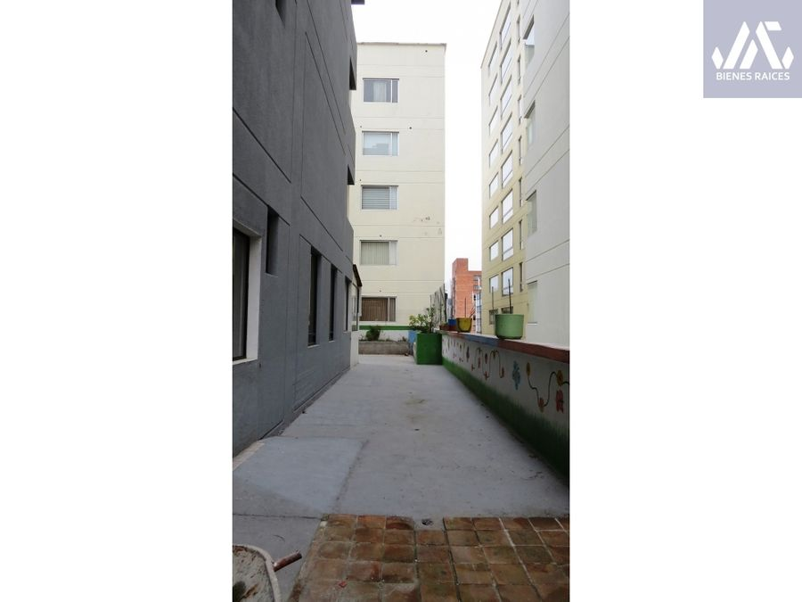 alemania y eloy alfaro edificio en venta