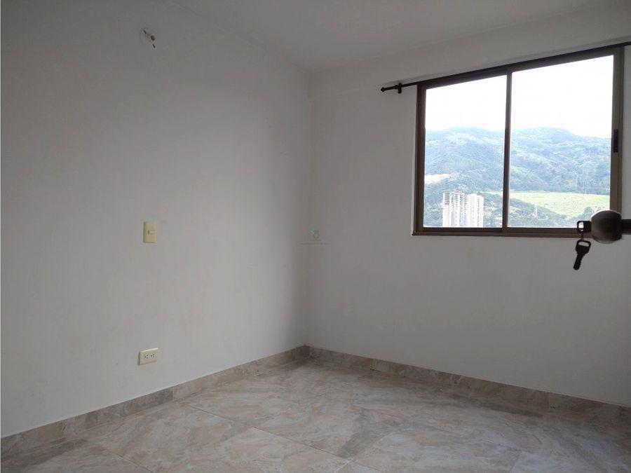se vende apartamento en bello ceiba del norte