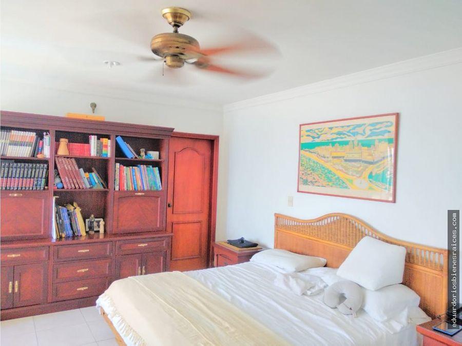 se vende apartamento en la bahia de santa marta