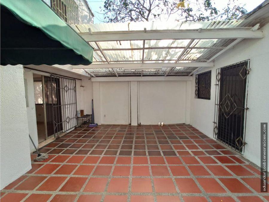 se vende casa en barrio jardin santa marta