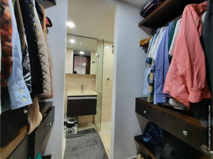 venta de apartamento cerca al mall en sector suramerica