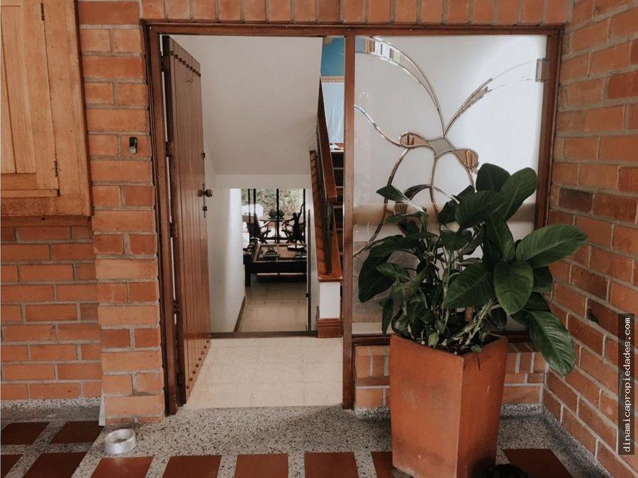 casa en venta en el poblado castropol medellin
