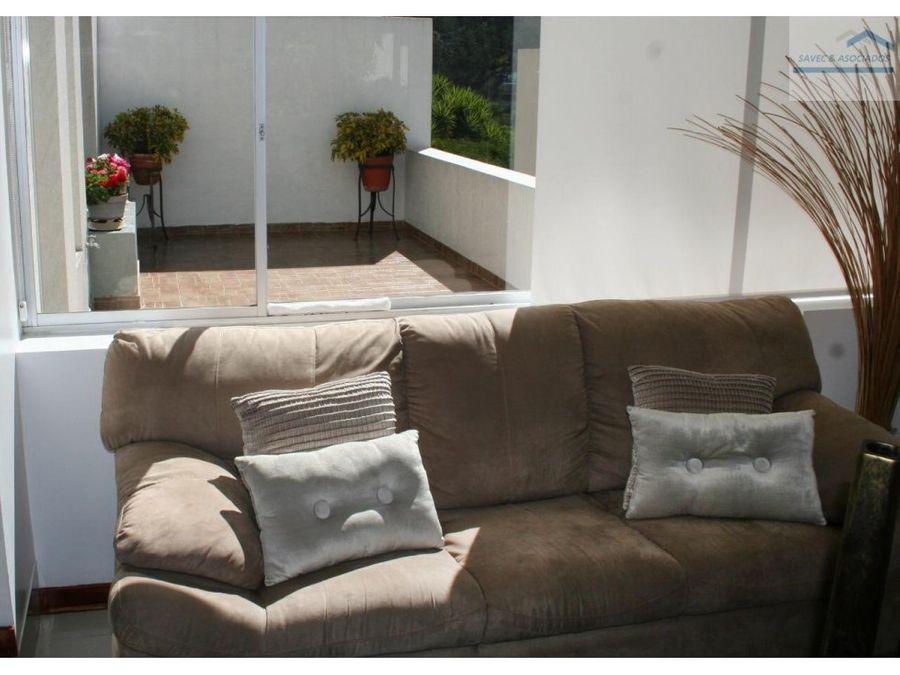 suite en venta con amplio jardin cumbaya