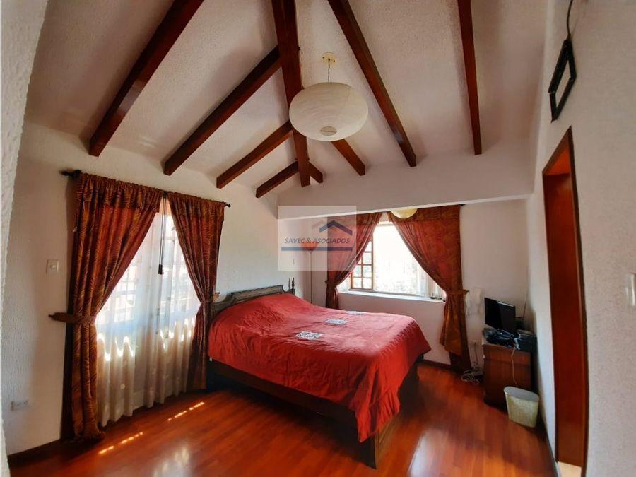 venta renta hermosa casa con jardin 4 dormi tumbaco 220000