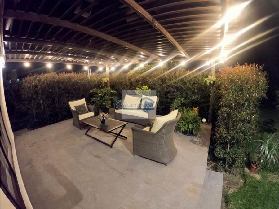 casa en venta malchingui a 40 minutos de quito 250000
