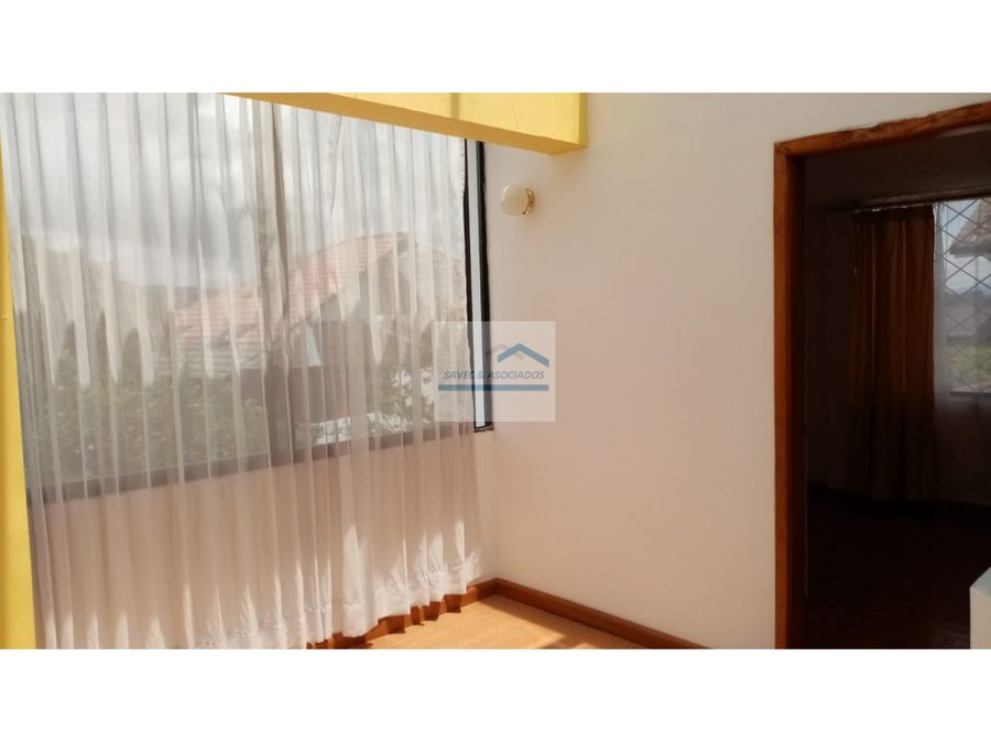 departamento duplex en renta cumbaya primavera 550