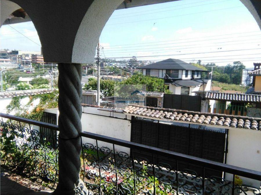 renta casa 4d con jardin cumbaya 2000