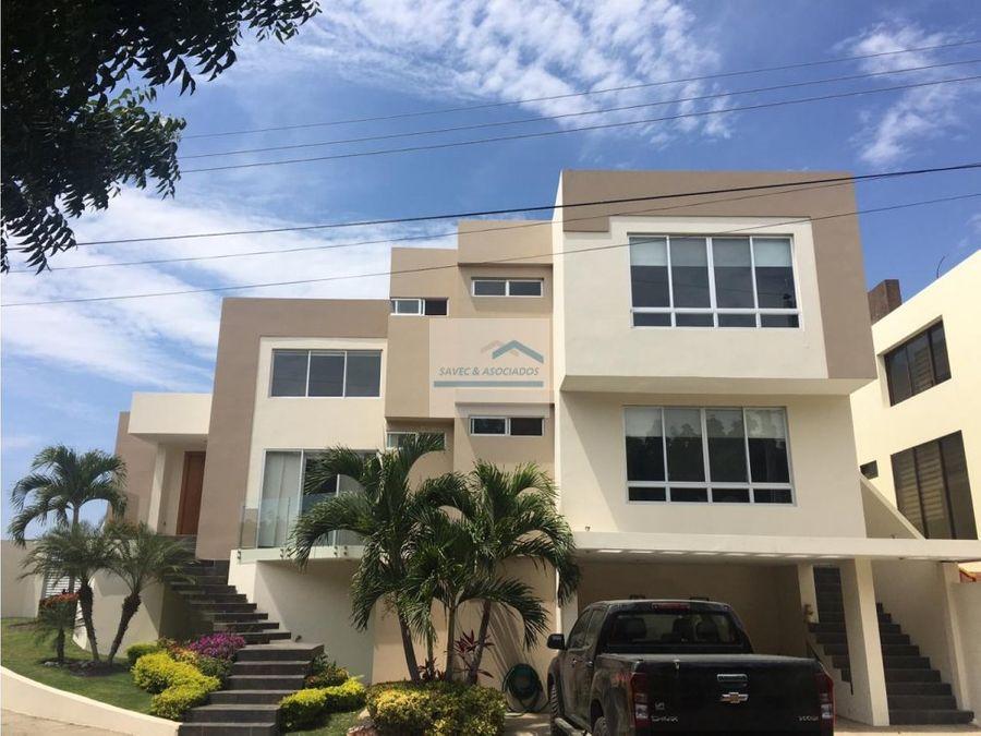 venta hermosa casa de 5 dorm manta beach 295000