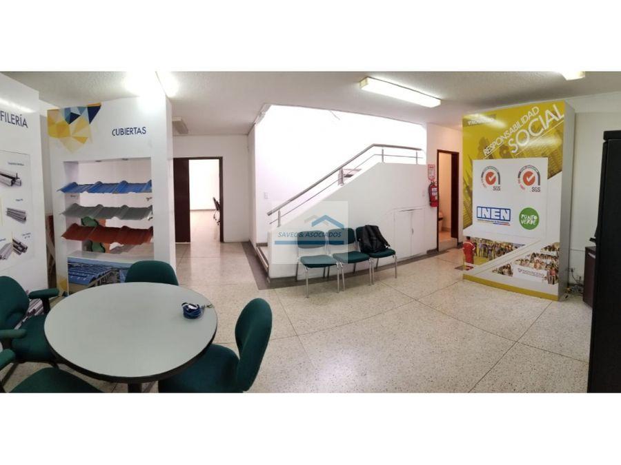 venta local y oficinas sector isabela catolica 300000