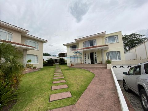 alquiler espectacular casa 3 dormitorios sector santa ines cumbaya