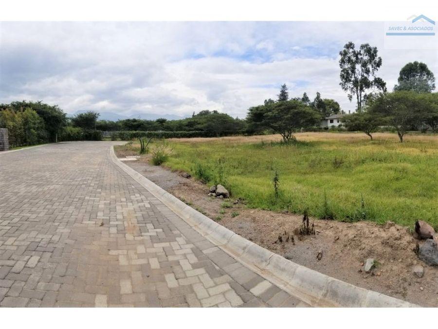 venta terreno 1091 m2 en urb tumbaco 249000
