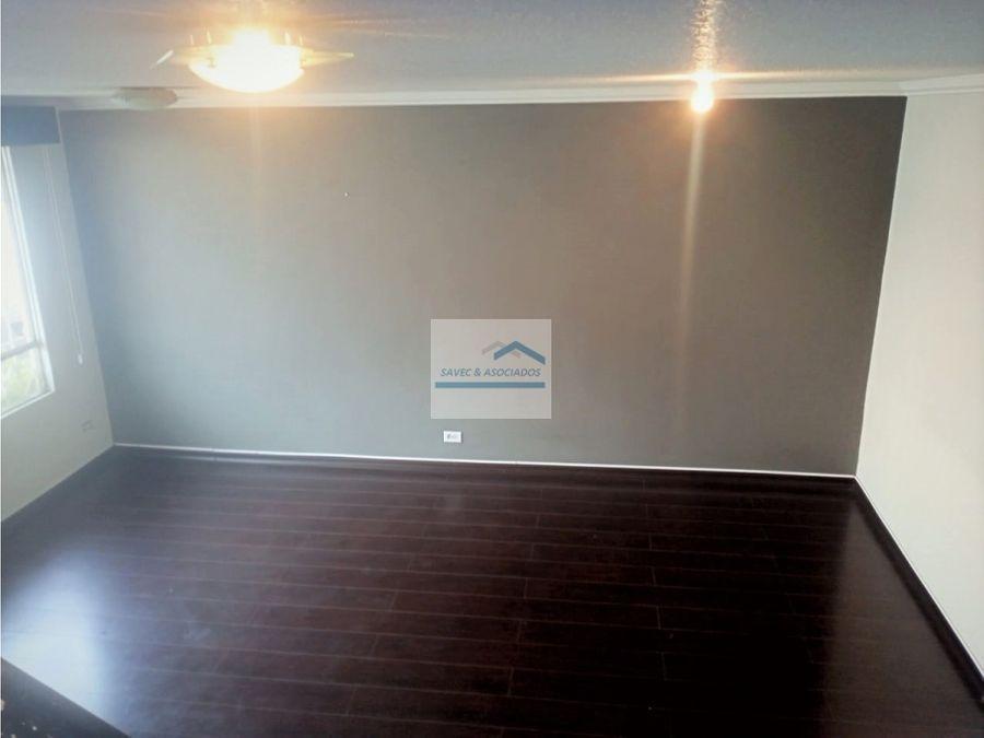 venta acogedora casa remodelada sector el condado 76000
