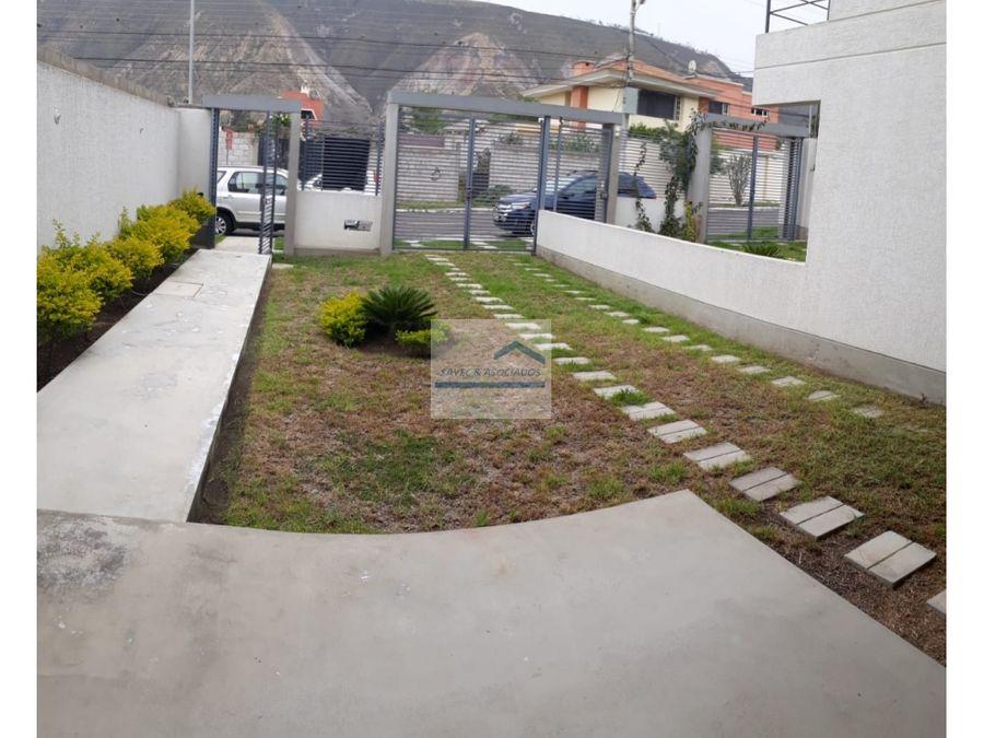 venta casa 3 dormi con jardin la pampa 155000