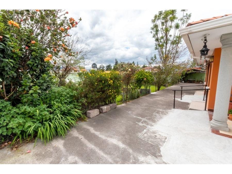 hermosa casa en venta o renta valle de los chillos 250mil o 1500