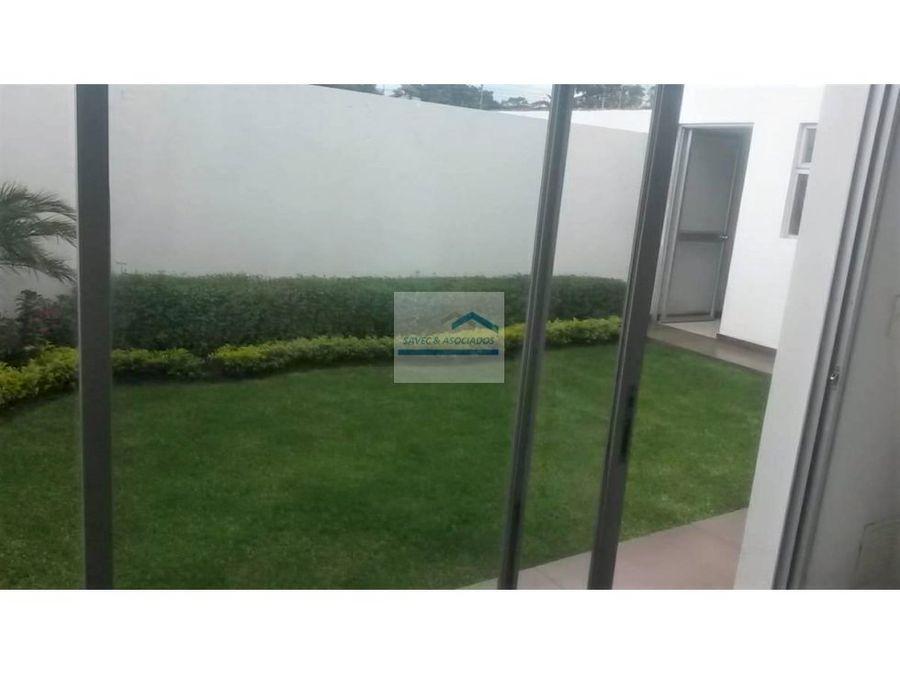venta casa 3 dorm con jardin tumbaco 235000