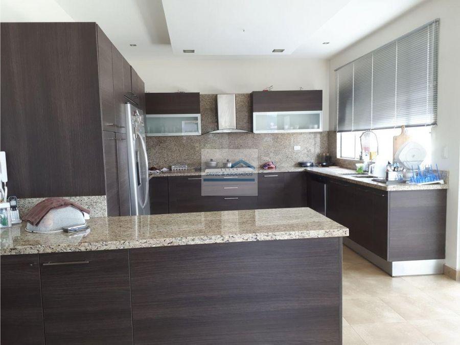 renta venta casa cumbaya urbanizacion exclusiva 2500