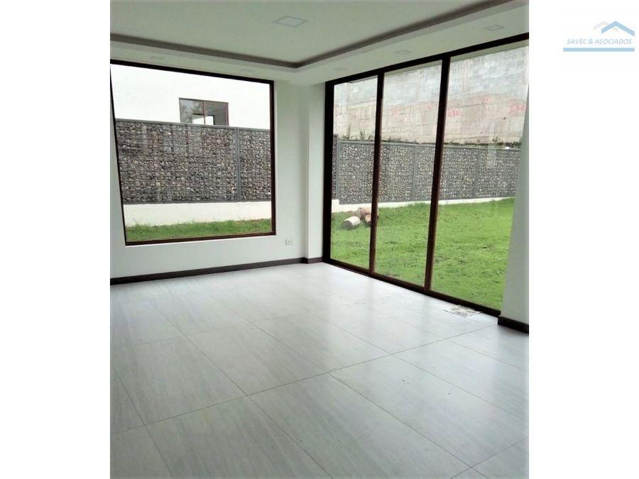 venta casa 3 dormi jardin lujo tumbaco 325000