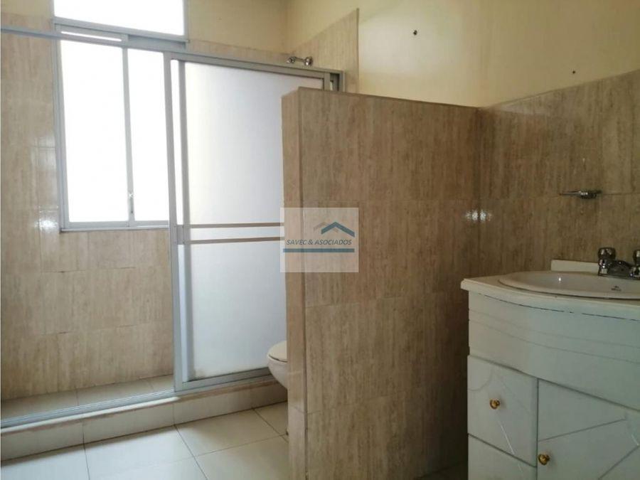 venta casa 6 dormi sector ute rumipamba 300000