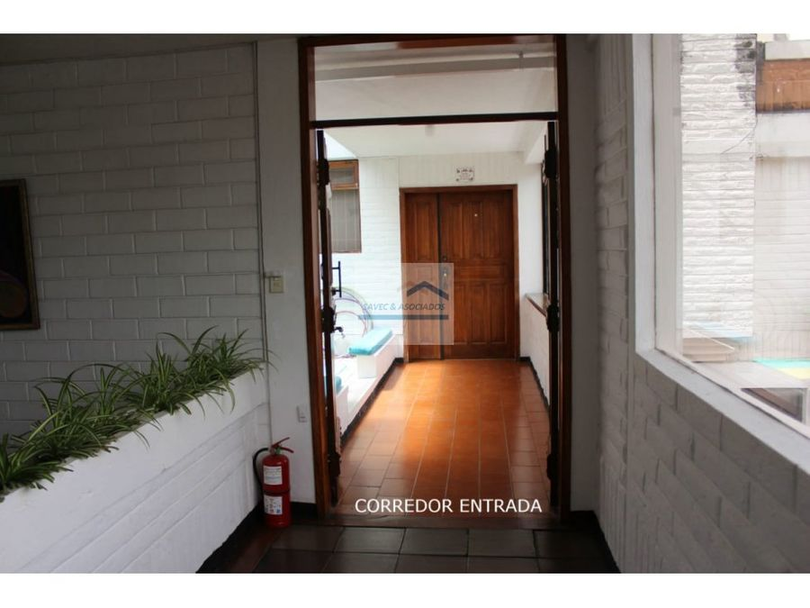 vendo hermoso departamento sector quito tenis