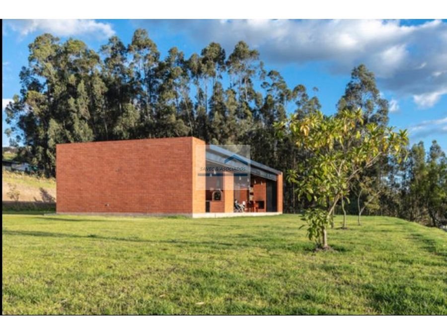 moderna quinta con amplio terreno en venta checa 44m2