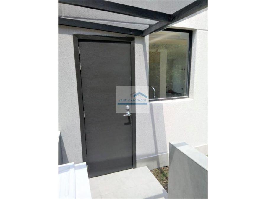 venta casa con jardin tumbaco 144700