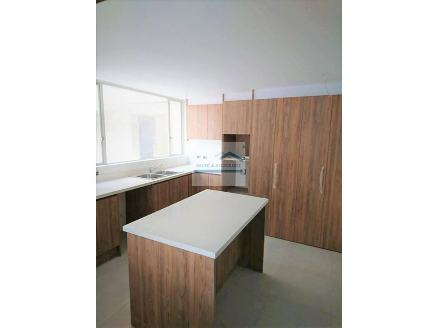 venta departamento 3 dorm sector tumbaco