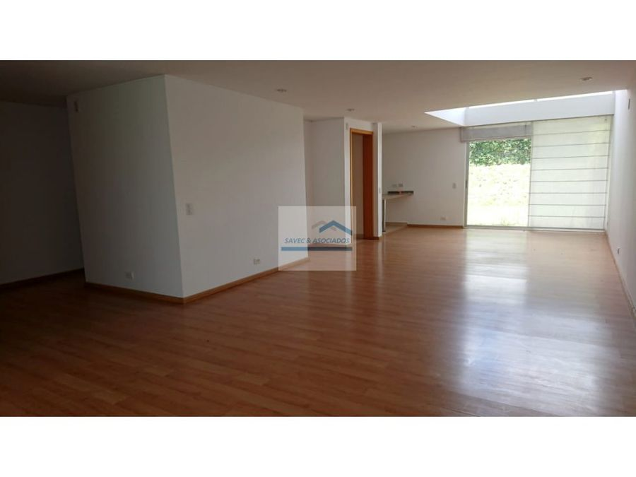 casa en venta de 3 dorms conjunto privado cumbaya