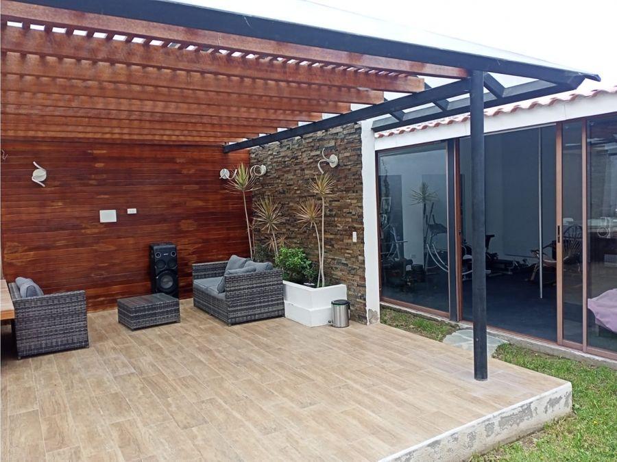 hermosa casa de venta en la pampa 320 m2 areas abiertas 369000