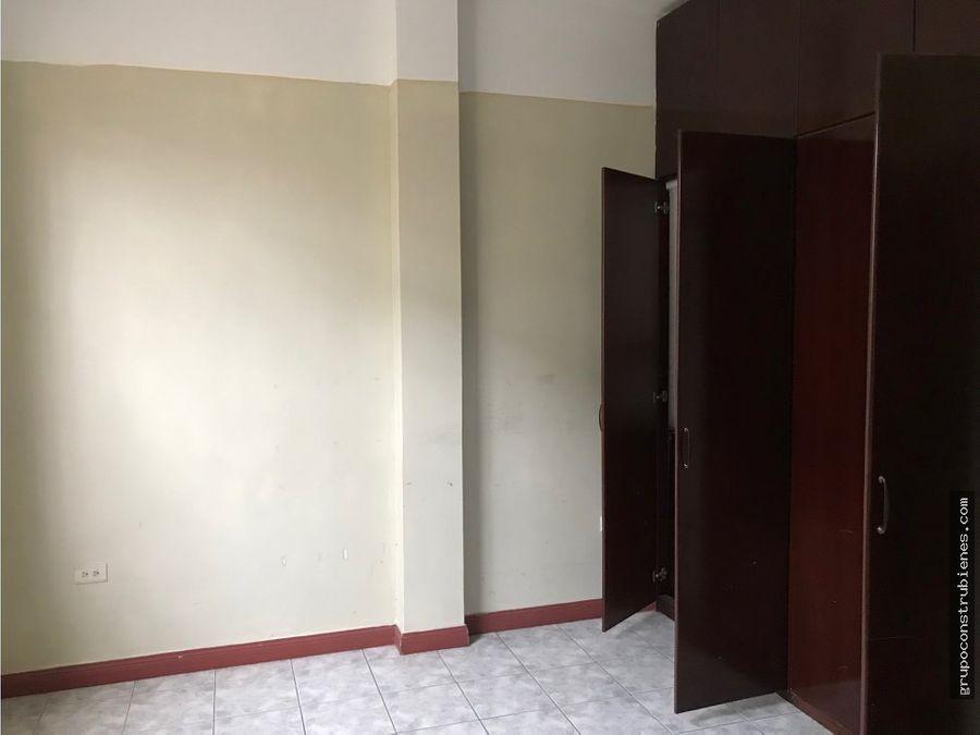 casa independiente para oficina en centro de manta