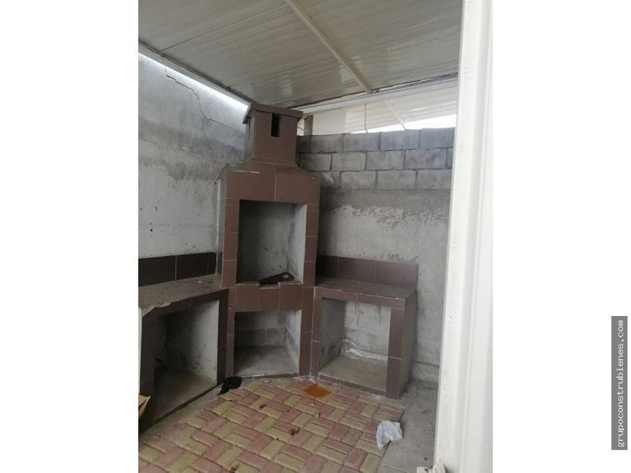 casa sin amoblar en urbanizacion sariland manta