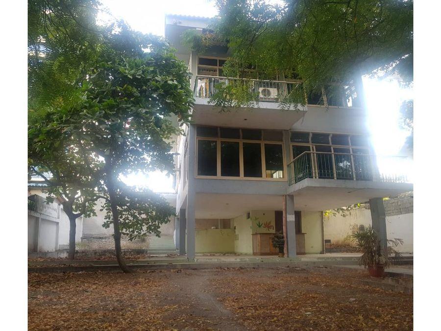 casa para clinica cerca al mall del pacifico