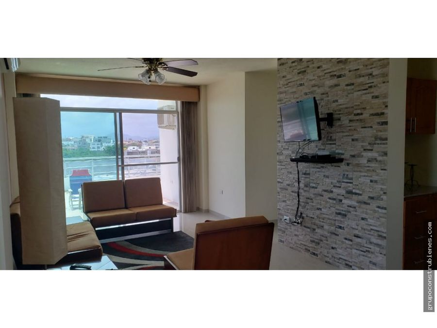 se vende departamento en altos de manta beach