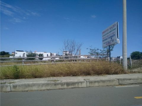 terreno filo de carretera via san manteo manta