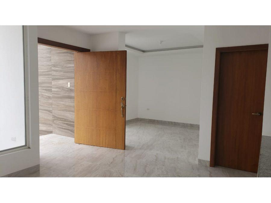 casa por estrenar en urbanizacion villa real manta