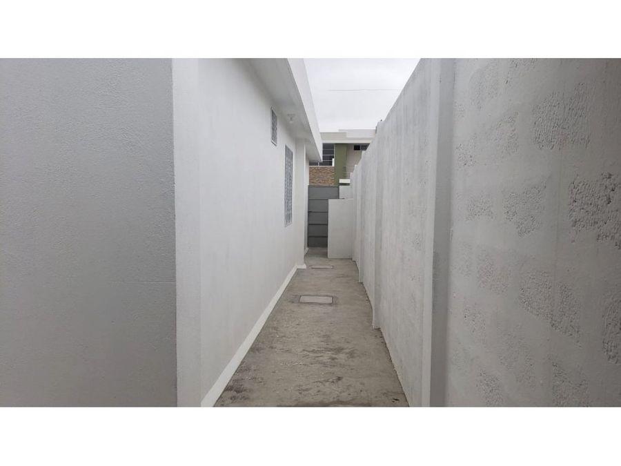 casa sin muebles por estrenar en urbanizacion villa real manta