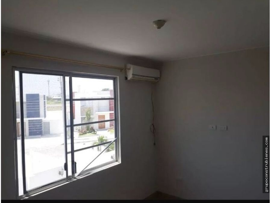 casa sin amoblar en urbanizacion en manta
